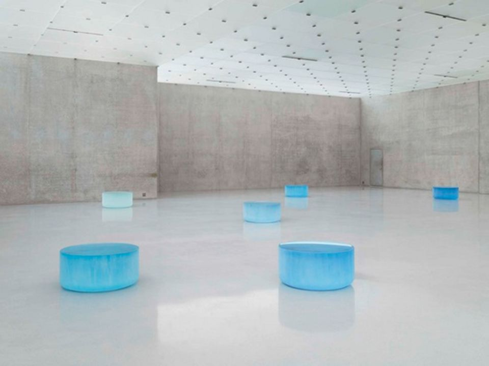 Discovering the artist: Roni Horn The name of the artist is Roni Horn.