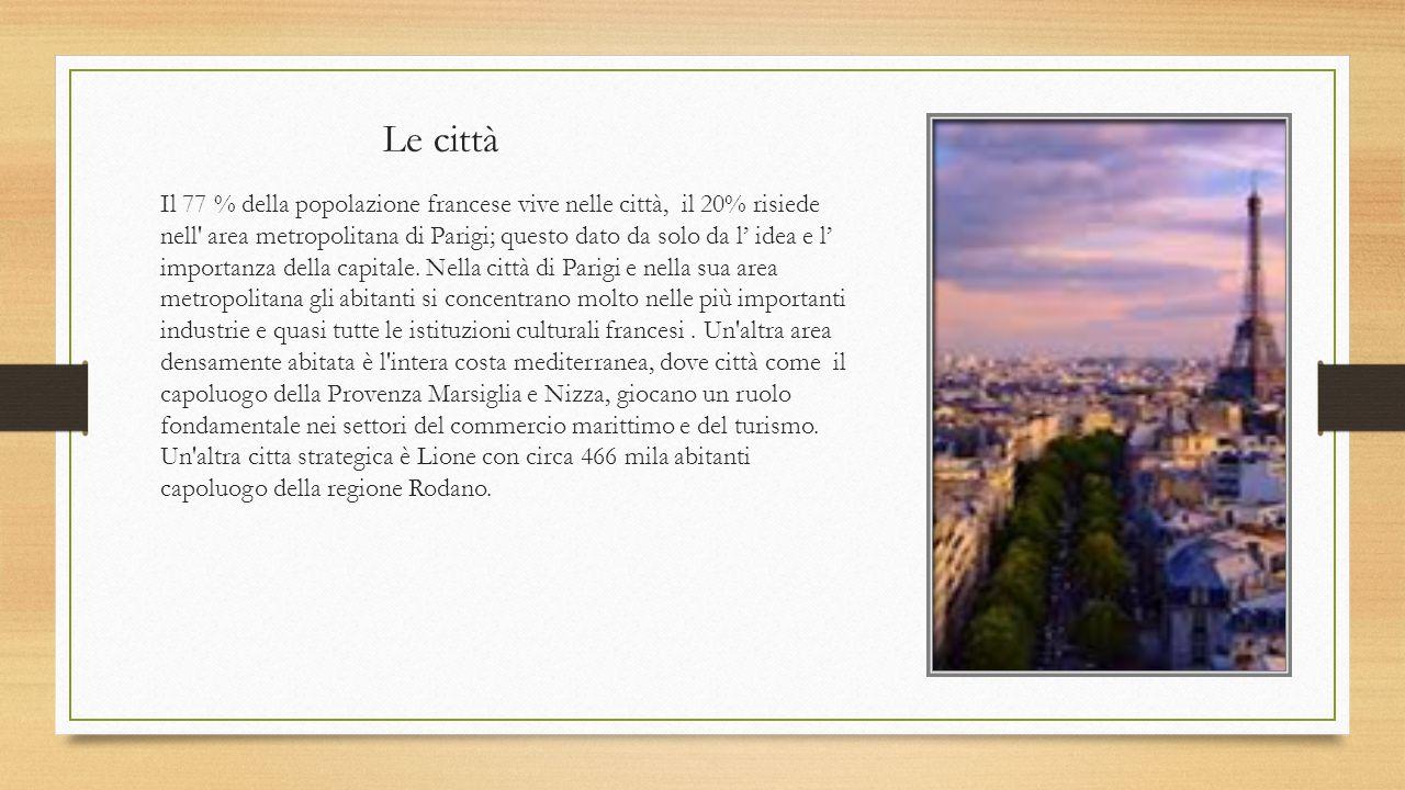 L ordinamento politico La Francia è suddivisa in 22 regioni, i cui confini rispettano nella maggior parte dei casi le antiche divisioni storiche e culturali tra le diverse aree del suolo francese.