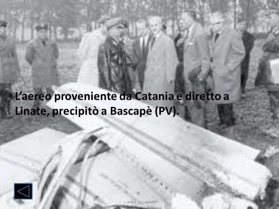 In quello stesso aereo vi erano anche il pilota Irnerio Bertuzzi e il giornalista americano William Mc Hale.