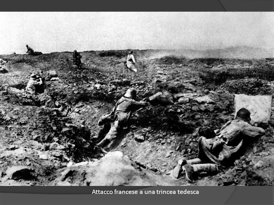 Soldato francese in osservazione a Eglingen, Haut-Rhin, Francia, 23 giugno 1917