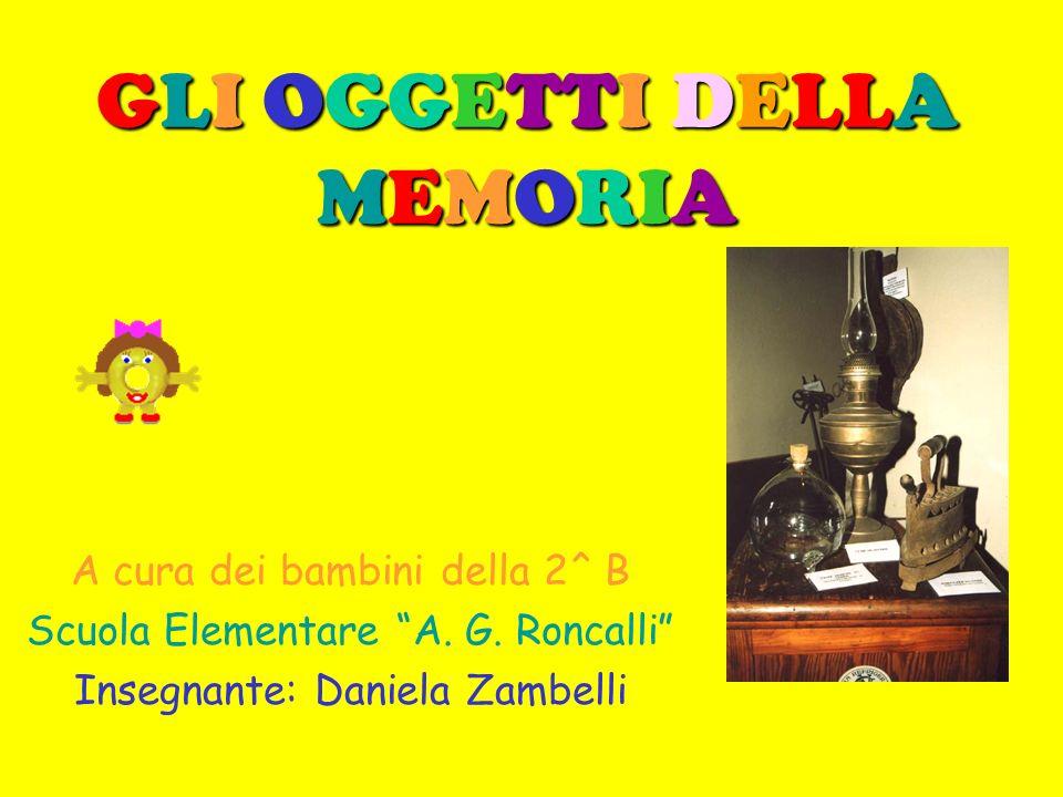 Presentazione Noi bambini della 2^ B siamo andati alla mostra Gli oggetti della memoria vicino alla biblioteca civica, nella Pieve di San Pietro.