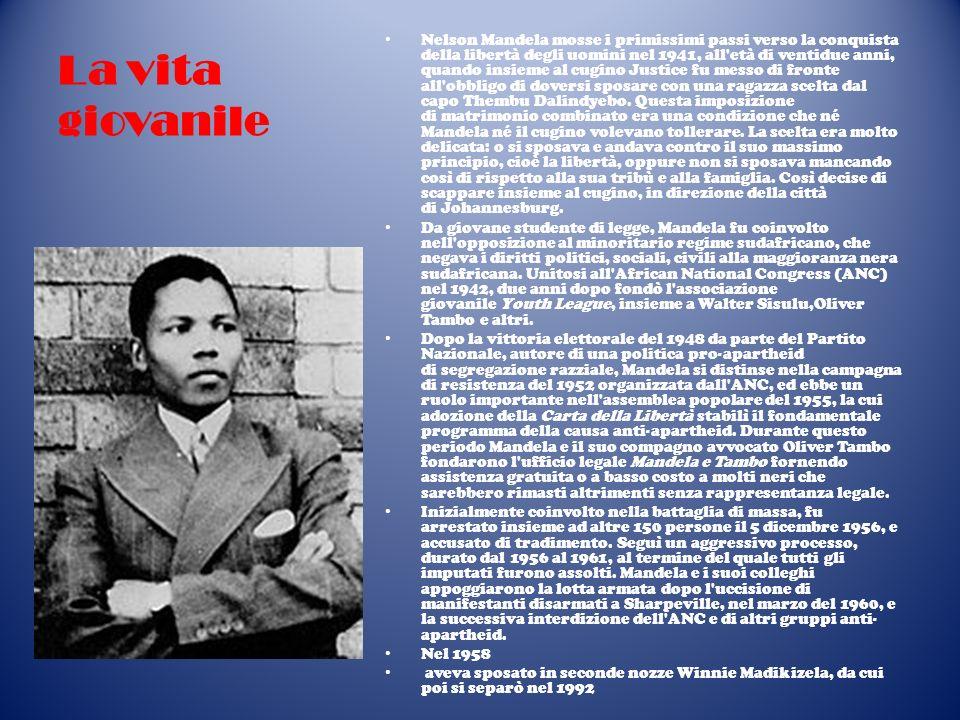 Larresto e la detenzione Nel 1961 divenne il comandante dell ala armata Umkhonto we Sizwe dell ANC ( Lancia della nazione , o MK), della quale fu co-fondatore.