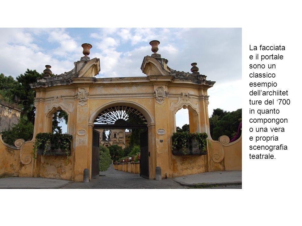La facciata e il portale sono un classico esempio dell'archiitetture del '700 in quanto compongono una vera e propria scenografia teatrale.