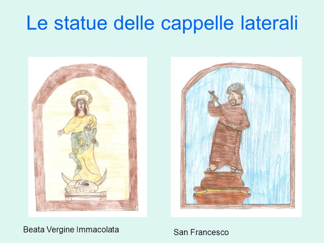 Le statue delle cappelle laterali