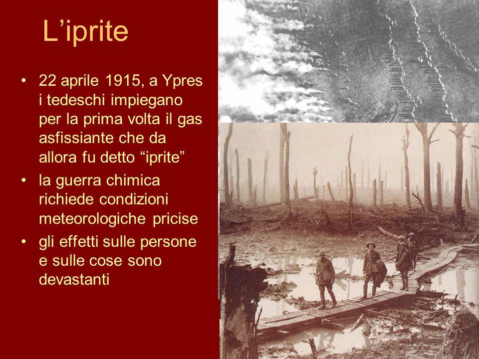 L'iprite 22 aprile 1915, a Ypres i tedeschi impiegano per la prima volta il gas asfissiante che da allora fu detto iprite