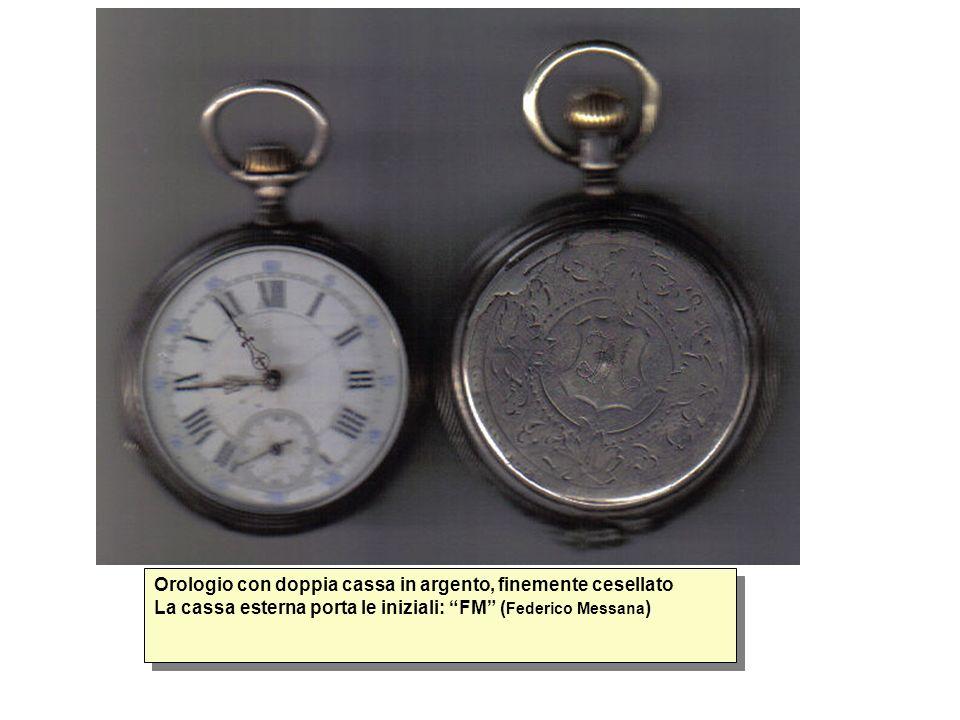 Orologio con doppia cassa in argento, finemente cesellato La cassa esterna porta le iniziali: FM (Federico Messana)