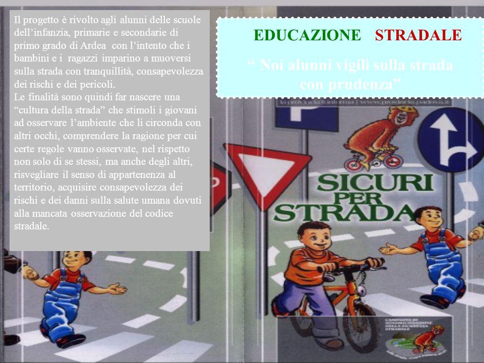 Noi alunni vigili sulla strada con prudenza