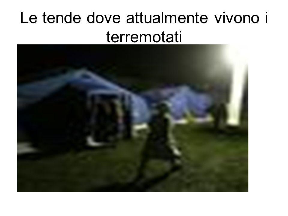 Le tende dove attualmente vivono i terremotati