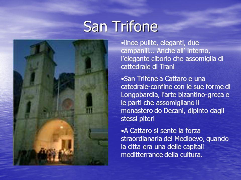 San Trifone linee pulite, eleganti, due campanili... Anche all' interno, l'elegante ciborio che assomiglia di cattedrale di Trani.