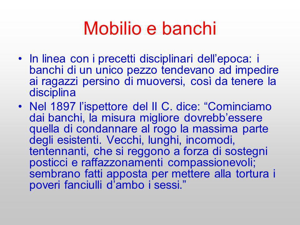 Mobilio e banchi