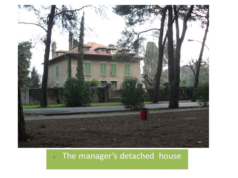The manager's detached house