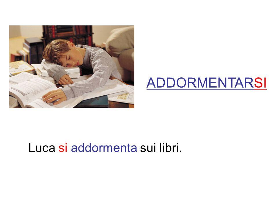 ADDORMENTARSI Luca si addormenta sui libri.
