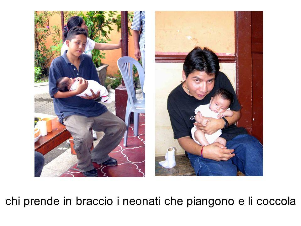 chi prende in braccio i neonati che piangono e li coccola