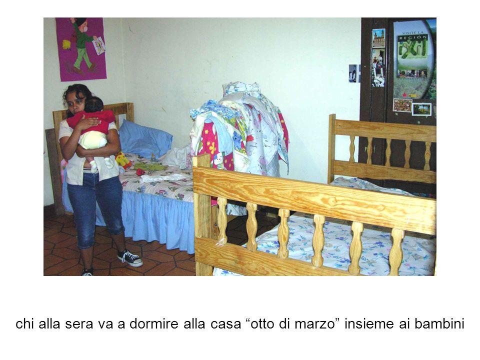 chi alla sera va a dormire alla casa otto di marzo insieme ai bambini