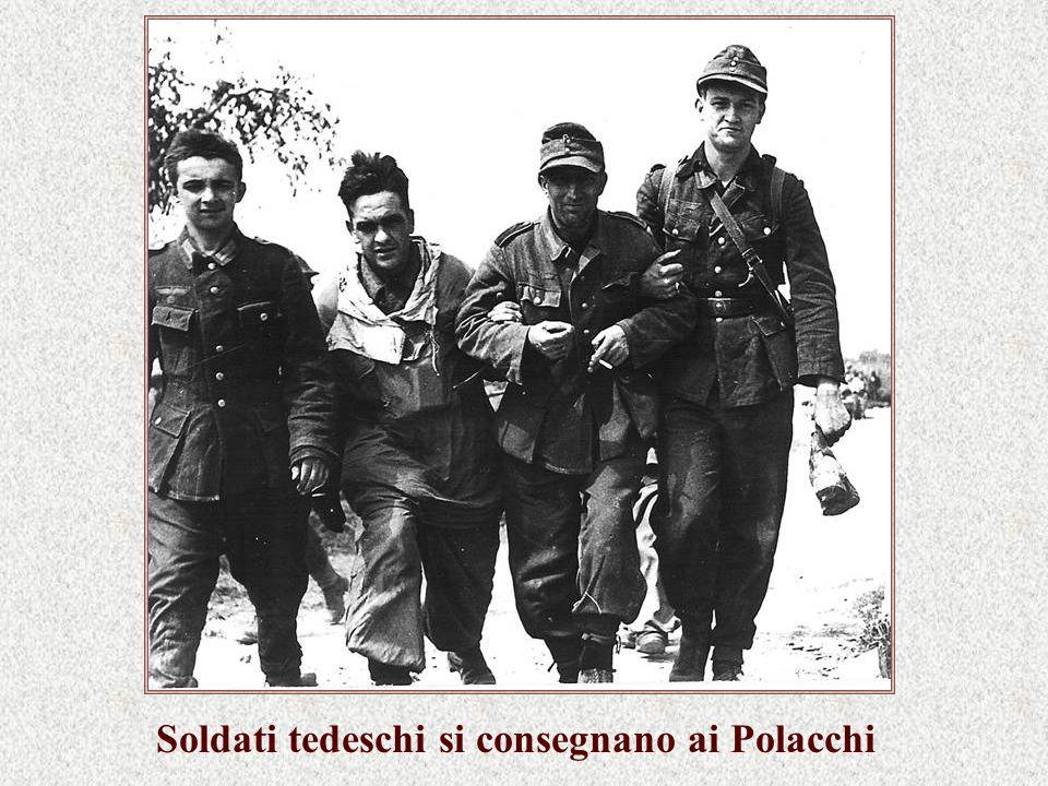 Soldati tedeschi si consegnano ai Polacchi