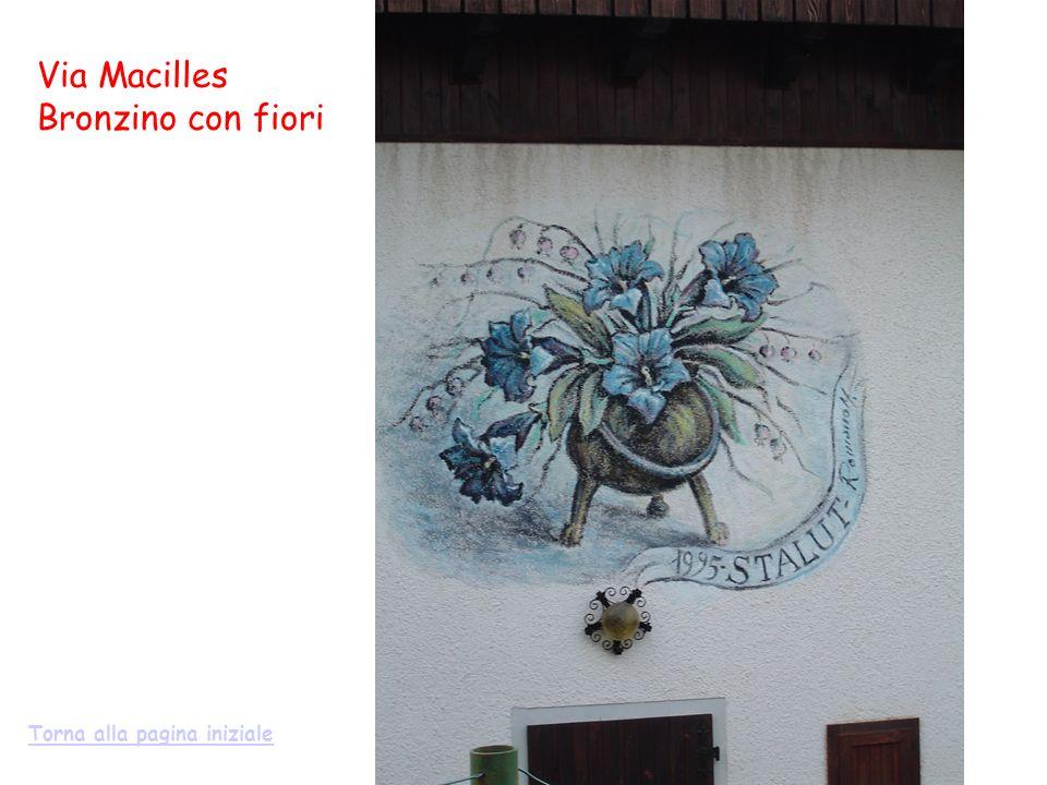 Via Macilles Bronzino con fiori