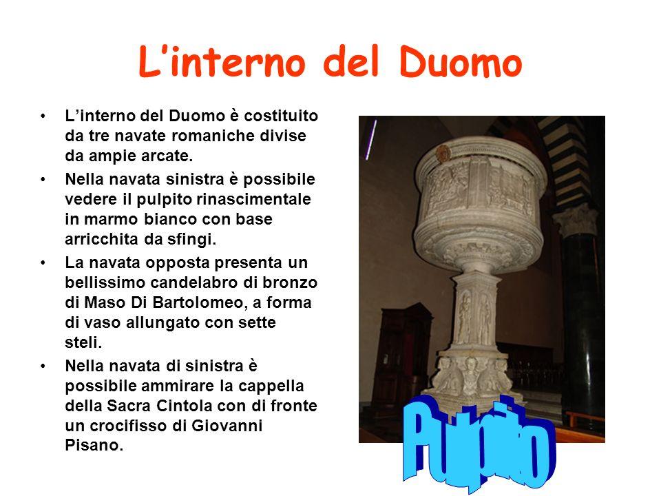 L'interno del Duomo Pulpito