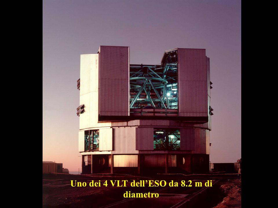Uno dei 4 VLT dell'ESO da 8.2 m di diametro