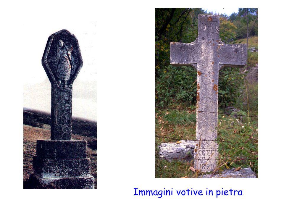 Immagini votive in pietra