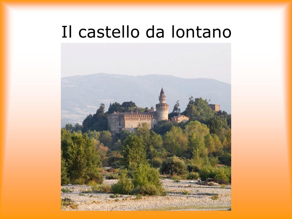 Il castello da lontano