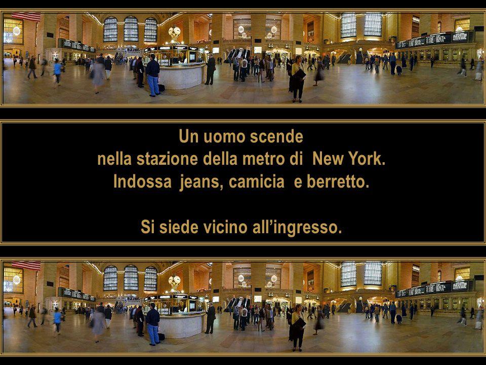 nella stazione della metro di New York.