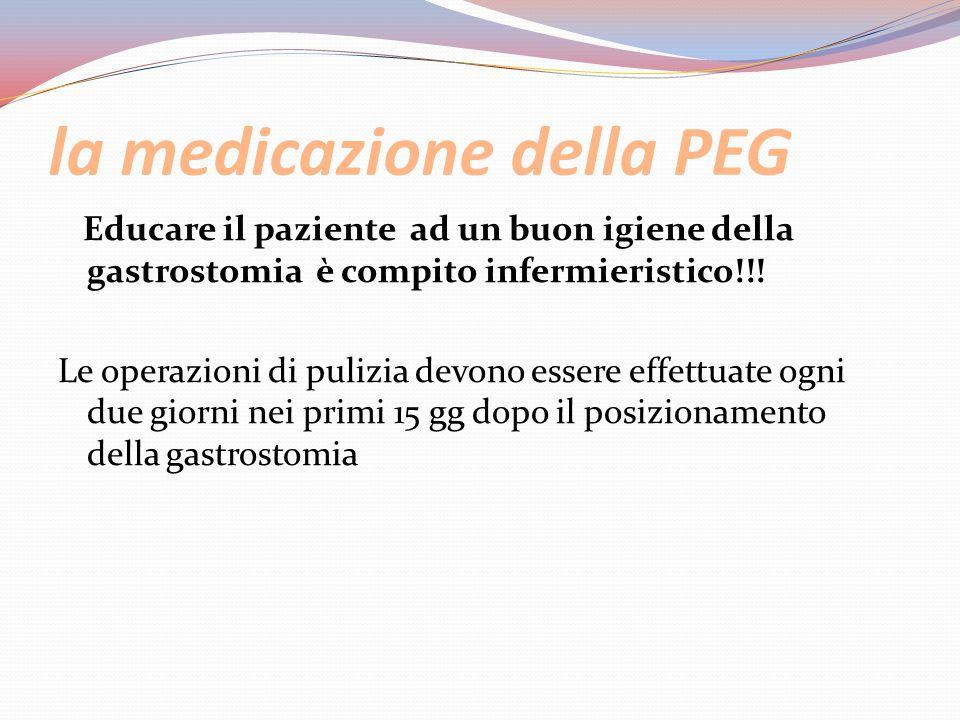 la medicazione della PEG