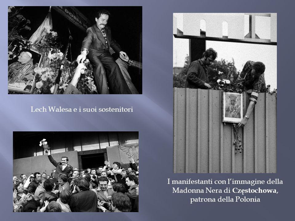 Lech Walesa e i suoi sostenitori