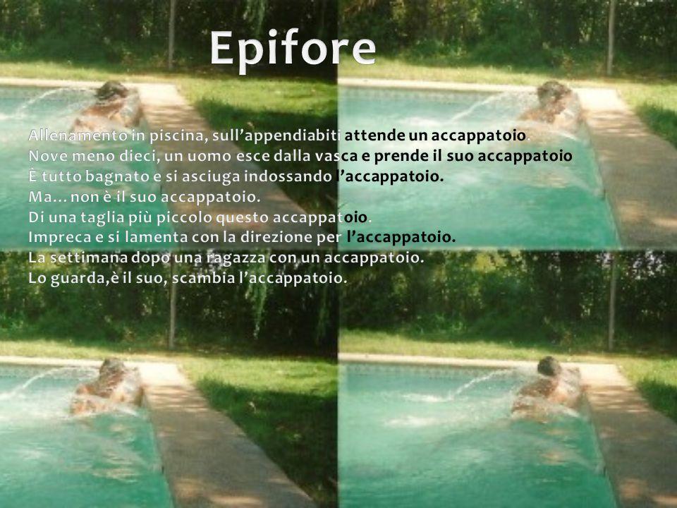 Epifore Allenamento in piscina, sull'appendiabiti attende un accappatoio. Nove meno dieci, un uomo esce dalla vasca e prende il suo accappatoio.