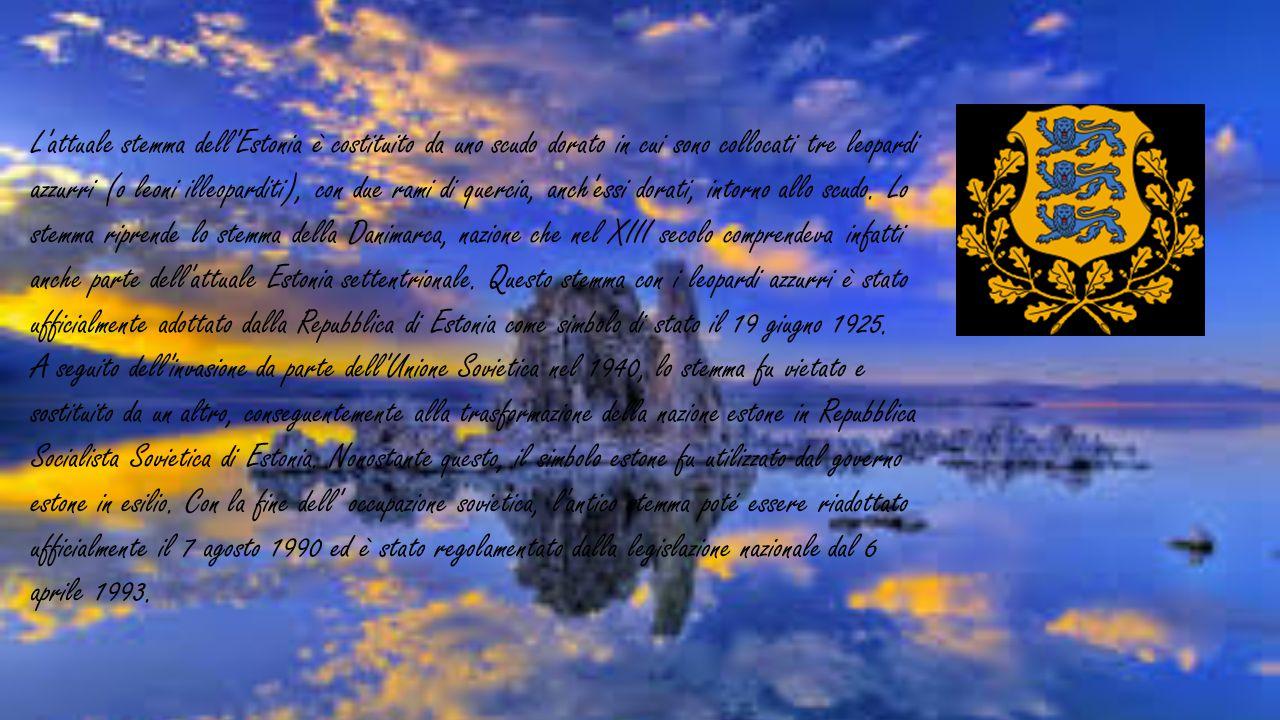 L attuale stemma dell Estonia è costituito da uno scudo dorato in cui sono collocati tre leopardi azzurri (o leoni illeoparditi), con due rami di quercia, anch essi dorati, intorno allo scudo. Lo stemma riprende lo stemma della Danimarca, nazione che nel XIII secolo comprendeva infatti anche parte dell attuale Estonia settentrionale. Questo stemma con i leopardi azzurri è stato ufficialmente adottato dalla Repubblica di Estonia come simbolo di stato il 19 giugno 1925.