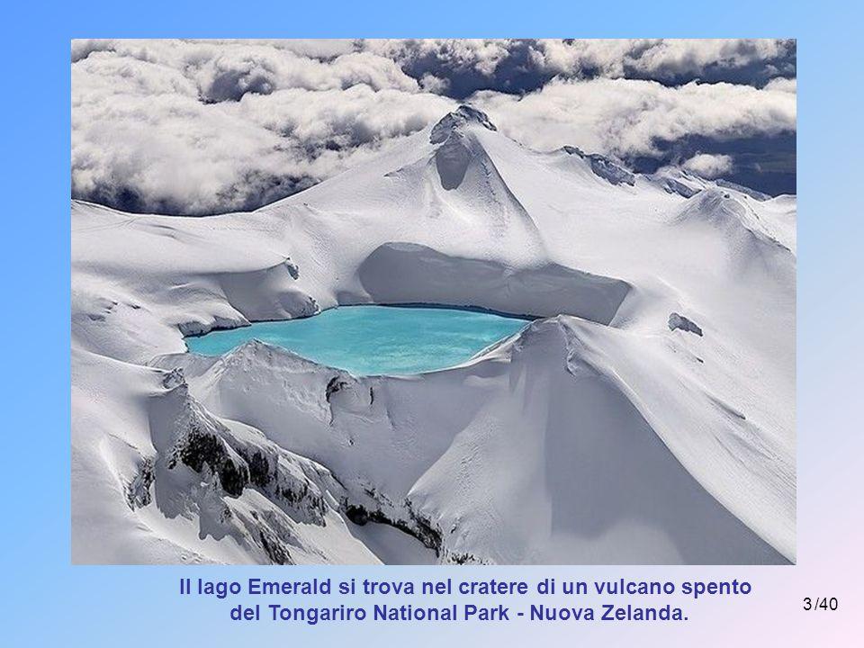 Il lago Emerald si trova nel cratere di un vulcano spento