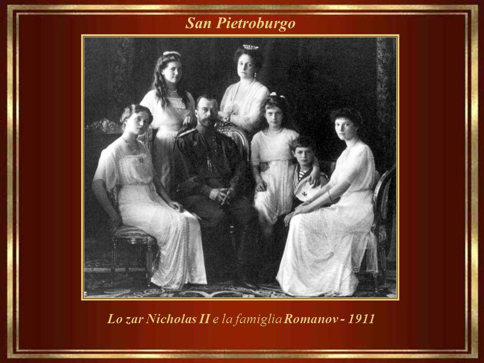 Lo zar Nicholas II e la famiglia Romanov - 1911