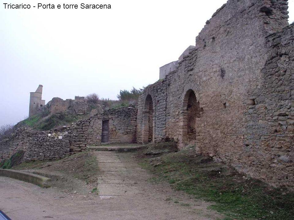 Tricarico - Porta e torre Saracena