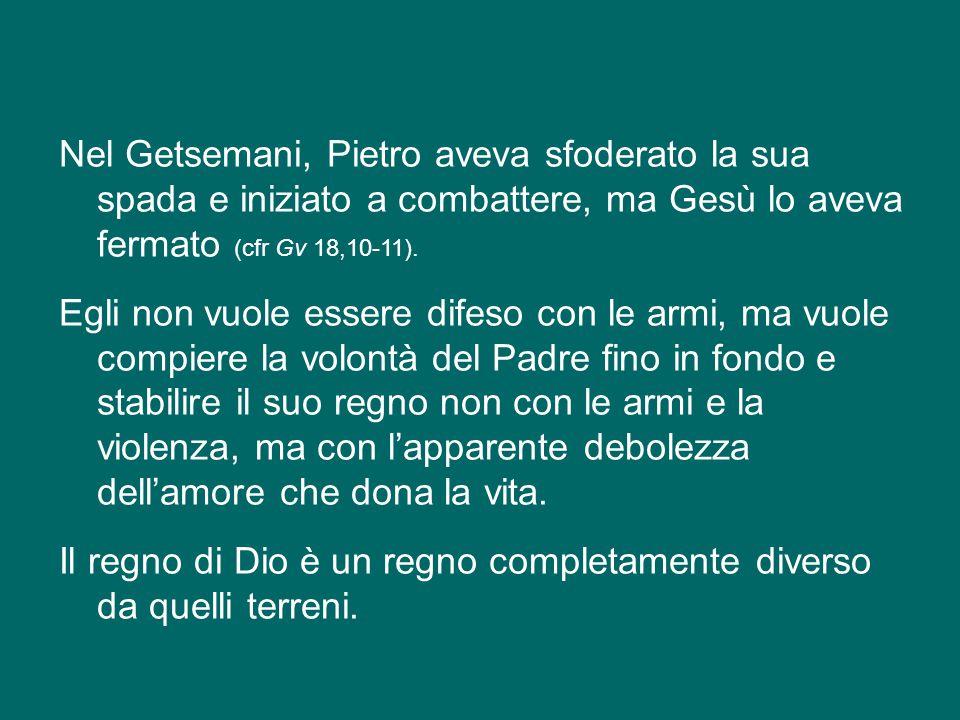Nel Getsemani, Pietro aveva sfoderato la sua spada e iniziato a combattere, ma Gesù lo aveva fermato (cfr Gv 18,10-11).