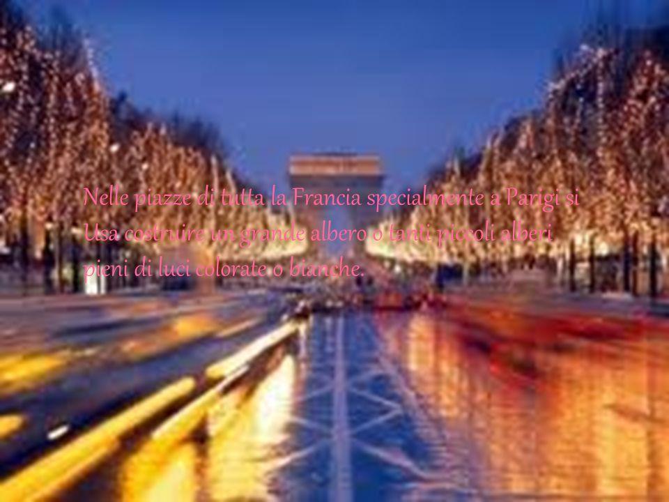 Nelle piazze di tutta la Francia specialmente a Parigi si