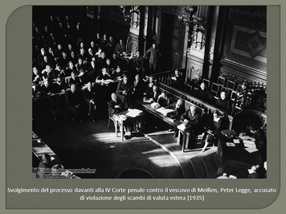 Svolgimento del processo davanti alla IV Corte penale contro il vescovo di Meißen, Peter Legge, accusato di violazione degli scambi di valuta estera (1935)