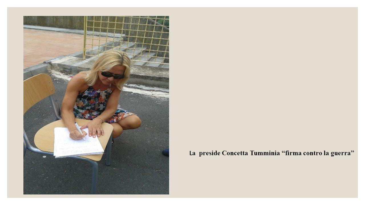 La preside Concetta Tumminia firma contro la guerra