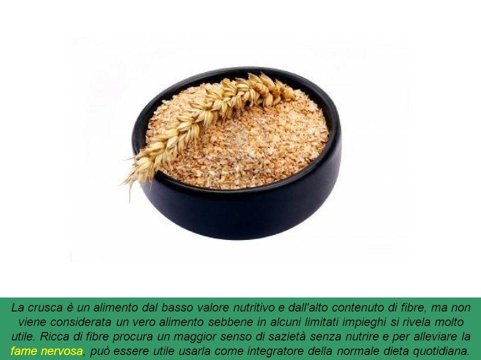 La crusca è un alimento dal basso valore nutritivo e dall alto contenuto di fibre, ma non viene considerata un vero alimento sebbene in alcuni limitati impieghi si rivela molto utile.