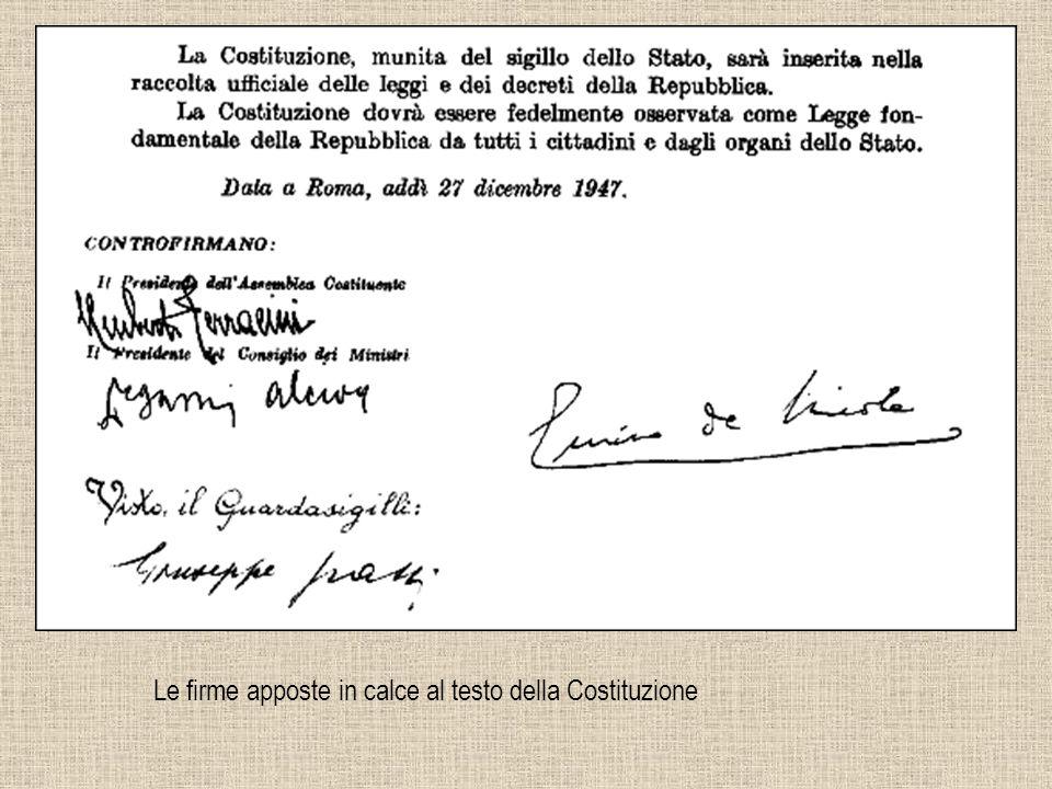 Le firme apposte in calce al testo della Costituzione