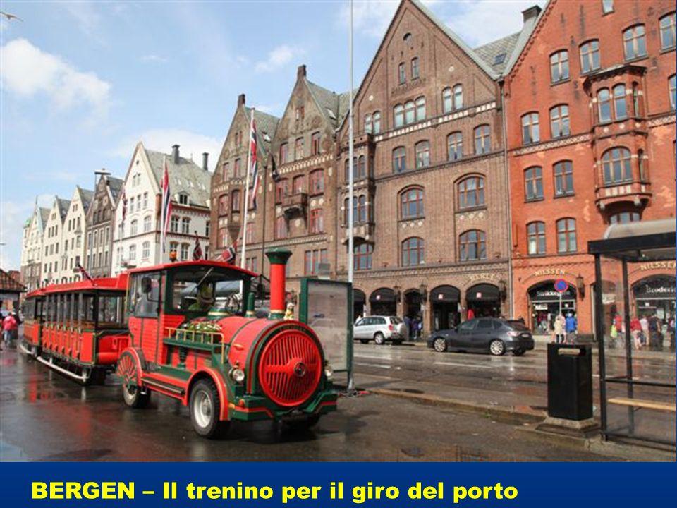 BERGEN – Il trenino per il giro del porto