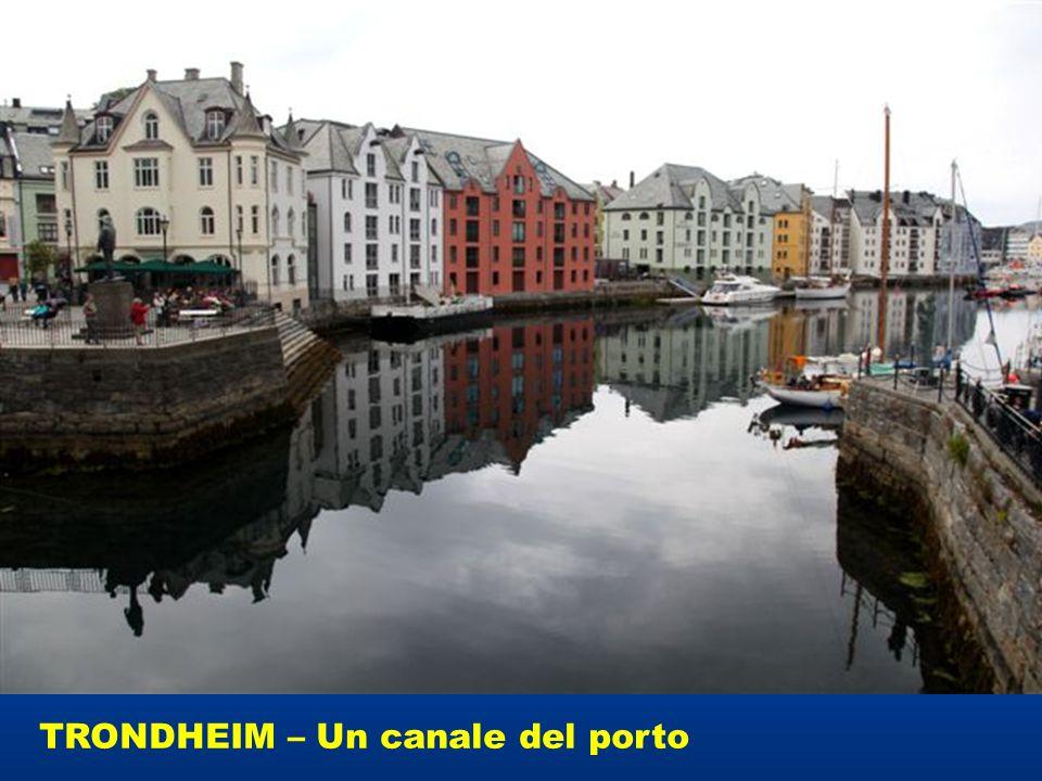 TRONDHEIM – Un canale del porto