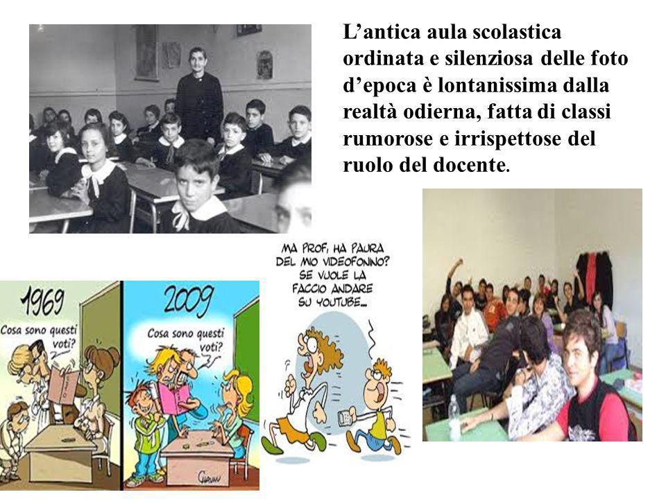 L'antica aula scolastica ordinata e silenziosa delle foto d'epoca è lontanissima dalla realtà odierna, fatta di classi rumorose e irrispettose del ruolo del docente.