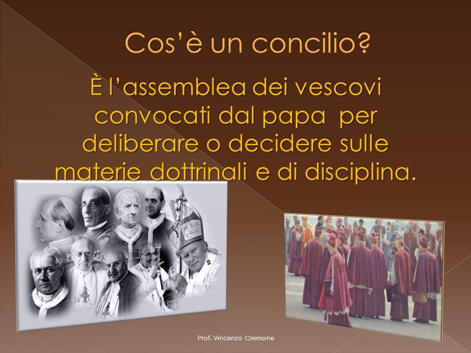 Cos'è un concilio È l'assemblea dei vescovi convocati dal papa per deliberare o decidere sulle materie dottrinali e di disciplina.