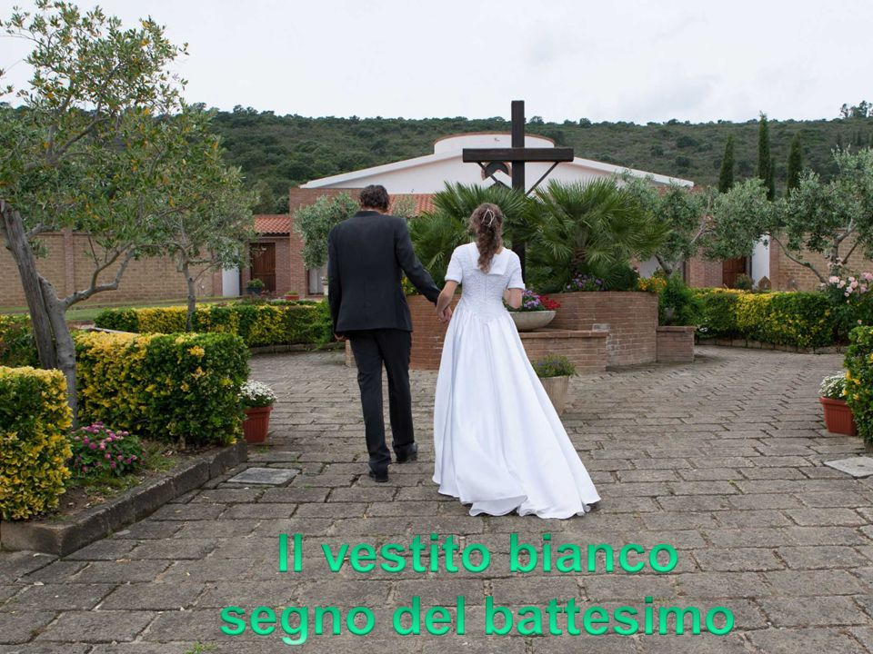 Il vestito bianco segno del battesimo