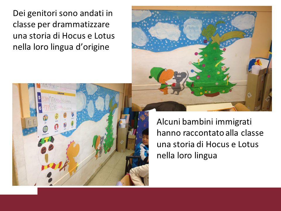 Dei genitori sono andati in classe per drammatizzare una storia di Hocus e Lotus nella loro lingua d'origine