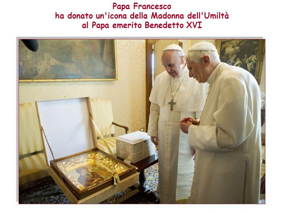 Papa Francesco ha donato un icona della Madonna dell Umiltà al Papa emerito Benedetto XVI