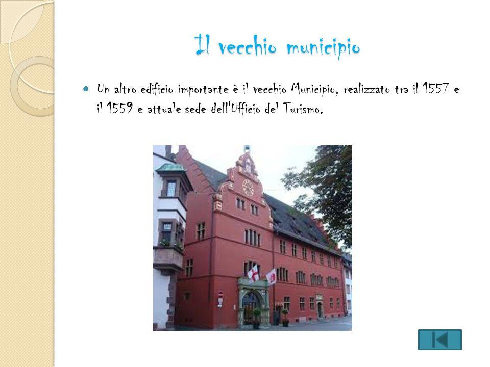 Il vecchio municipio Un altro edificio importante è il vecchio Municipio, realizzato tra il 1557 e il 1559 e attuale sede dell Ufficio del Turismo.
