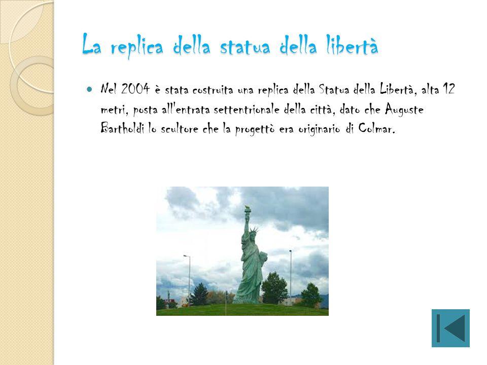 La replica della statua della libertà
