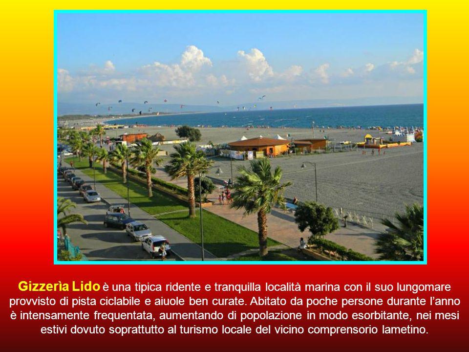 Gizzerìa Lido è una tipica ridente e tranquilla località marina con il suo lungomare provvisto di pista ciclabile e aiuole ben curate.