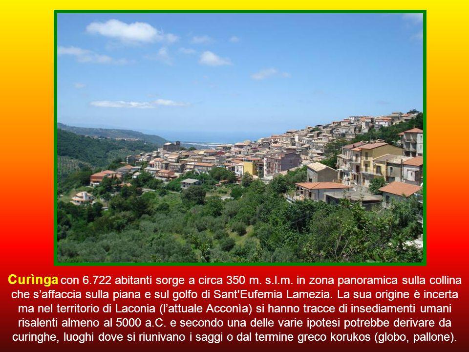 Curìnga con 6. 722 abitanti sorge a circa 350 m. s. l. m