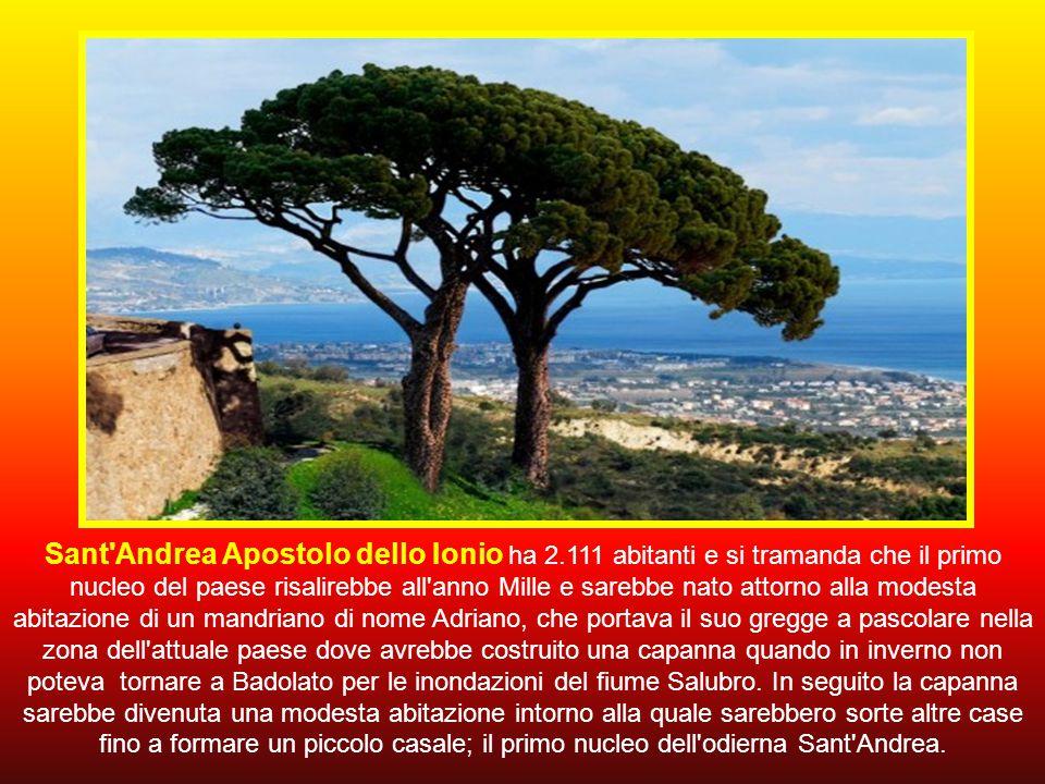 Sant Andrea Apostolo dello Ionio ha 2
